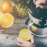 Wyciskarka do soków i sokowirówka – co wybrać?