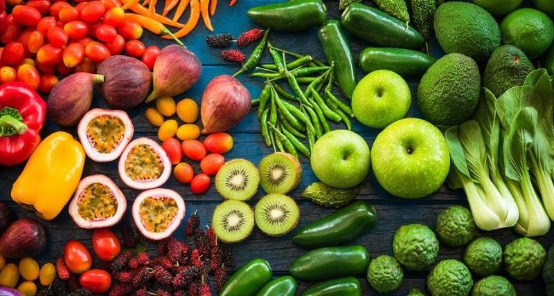 warzywa i owoce stanowią cenne źródło witamin oraz minerałów